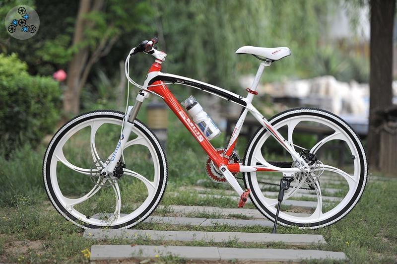 5003b86787da7 Купить велосипед BMW X1 White&Red на литых дисках в Украине: цена ...